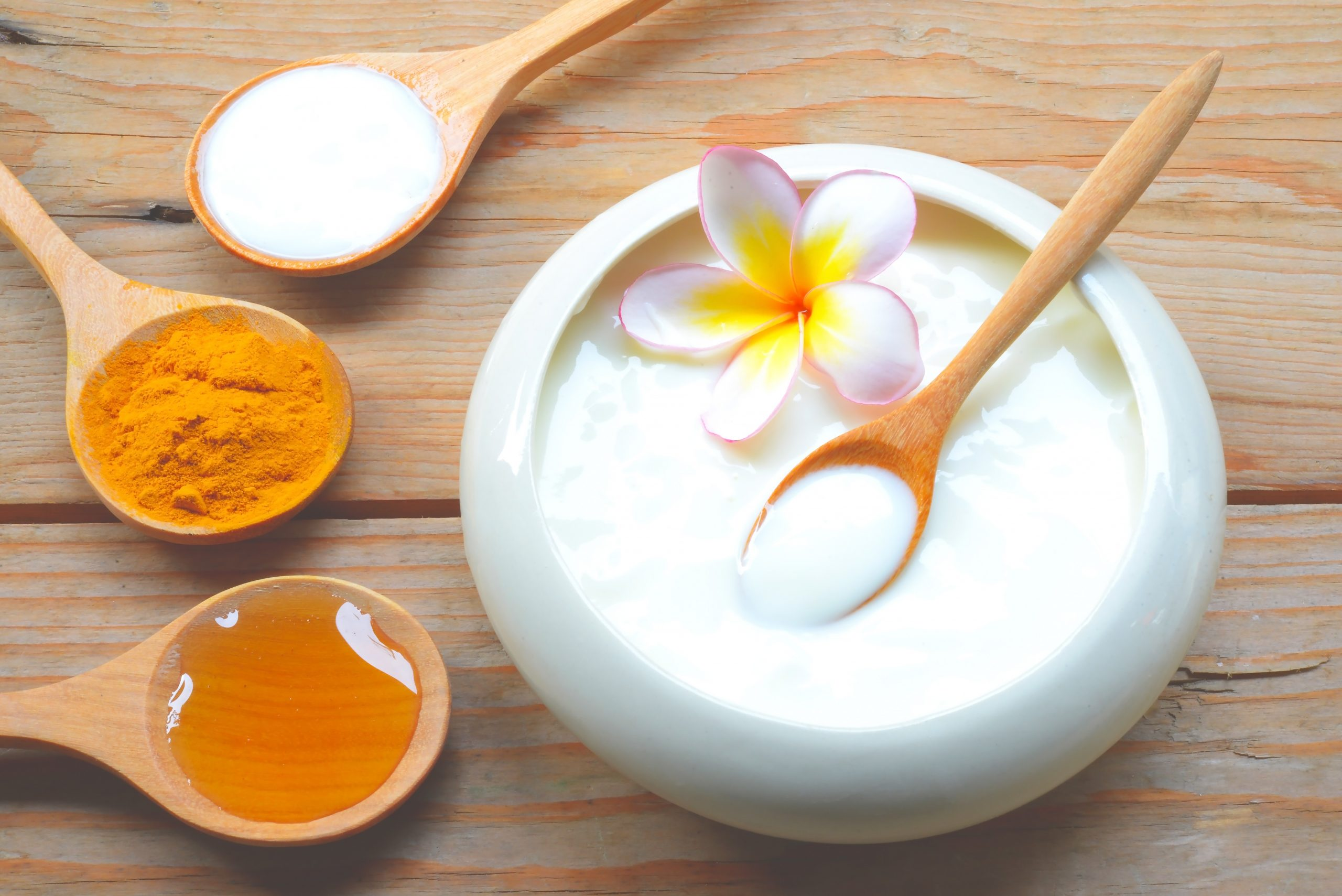 DIY: White Honey Face Mask for Glowing Skin
